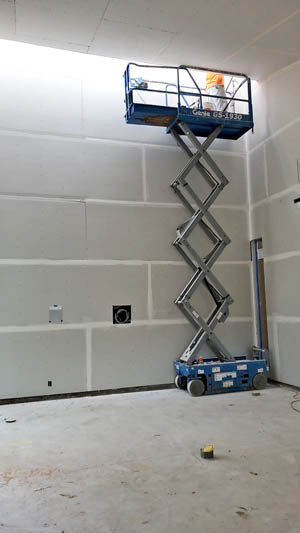 commercial drywall contractors Honolulu doing a job at a warehouse in Kakaako
